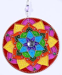 originalyexclusiva | MANDALAS Mandala Artwork, Mandalas Drawing, Cd Recycle, Cd Crafts, Flower Henna, Cd Art, Diwali Decorations, Stained Glass Patterns, Recycling