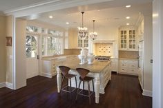 Traditional Kitchen Photos Design, Pictures, Remodel, Decor and Ideas - page 2