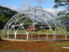 Kauai Hawaii hurricane dome steel custom triangle skylights construction - Dome Inc. Geodesic Dome Greenhouse, Geodesic Dome Homes, Pvc Greenhouse, Greenhouse Gardening, Dome House, Metal Building Homes, Earth Homes, Kauai Hawaii, Construction