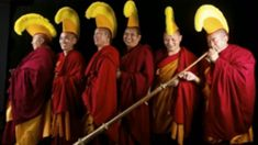 (2) 3 HOURS Relaxation Powerful Meditation   Tibetan Monks Chanting   Singing Bowls   Background Yoga - YouTube
