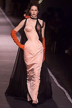 See the complete Jean Paul Gaultier Spring 2001 Couture collection.