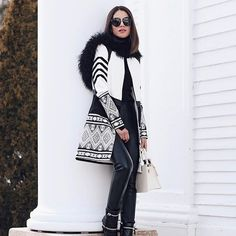 Black and white Monday! Fall Winter Outfits, Autumn Winter Fashion, Christmas Outfits, Modele Hijab, Business Casual Outfits For Women, Cardigan Outfits, Ootd, Winter Looks, Winter Style