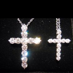 Someday maybe :) I will have this. Not a fan of gifts but this is a gift of love I think. Diamond Cross Necklaces, Diamond Pendant Necklace, Cross Jewelry, Cute Jewelry, Necklace Designs, Cross Pendant, Jewelery, Christmas Ideas, Christmas Gifts