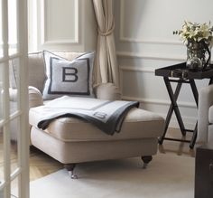 The Balmuir home textile collection is based on high quality natural materials – cashmere, kid mohair, baby alpaca, linen, supima cotton and Egyptian cotton. Living Room Windows, Living Room Sets, Living Room Furniture, Living Room Decor, Low Bookshelves, Wood Plank Walls, Black Side Table, Country Interior, Cozy Corner