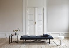 From the iconic Daybed to the grand Modular Sofa, all HANDVÄRK seating objects are meticulously designed in Denmark and characterized by aesthetic sustainability: a timeless object in a quality last a lifetime. Banquettes, Black Daybed, Daybed Bedding, Modern Daybed, White Side Tables, Modular Sofa, Couch, Interior Design Inspiration, Decoration