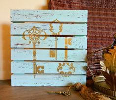 We had a great time at Paint-A-Palooza at the Charity Wings Art Center! Check out 3 fabulous projects on Walnut Hollow wood with DecoArt paint plus, expert distressing tips from Mark Montano.