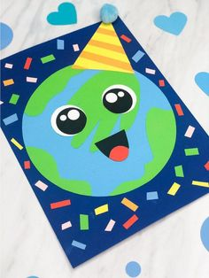 Inside: Celebrate Earth Day with this cute and simple handprint Earth craft for kids. It's the newest addition to our easy kids crafts post. Earth Craft, Earth Day Crafts, Crafts For Kids To Make, Easy Crafts For Kids, Cool Art Projects, Projects For Kids, When Is Earth Day, Earth Day Activities, Therapy Activities