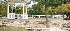 Weddings at Country Woods Inn in Glen Rose TX