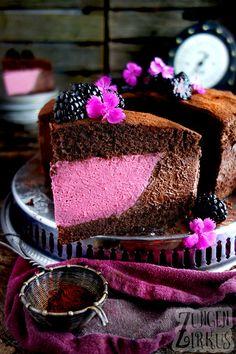 Brombeer-Schokotorte mit Schokomousse - Zungenzirkus Dessert Oreo, Oreo Desserts, Peanut Butter Desserts, Fancy Desserts, Pudding Desserts, Strawberry Desserts, Lemon Desserts, Dessert Recipes, Spring Desserts