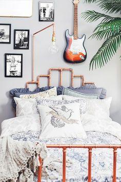 Såg den här bilden i ett pressutskick från Odd Molly och tycker om sängidén massor. En sänggavel gjord av kopparrör. Det ni bör tänka på, är att inte använda alltför tunna kopparrör eftersom den ska...