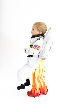 Astronaut Kostüme Toddler Boy Costumes, Girl Costumes, Costume Ideas, Spaceman Costume, Rocket Costume, Space Costumes, Family Costumes, Cute Halloween Costumes, Carnival