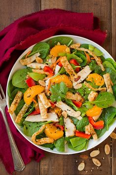 Mandarine Orange Spinach Salad with Chicken and Lemon Honey Ginger Dressing (Cooking Classy) Fresh Salad Recipes, Spinach Salad Recipes, Healthy Recipes, Cooking Recipes, Cooking Tips, Dishes Recipes, Broccoli Salad, Healthy Options, Healthy Meals
