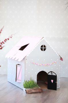 fabriquer une maison en carton pour son chat