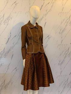 Blouse Batik, Traditional Dresses, Zara, Costumes, Fashion Outfits, Silk, Shirts, Clothes, Design