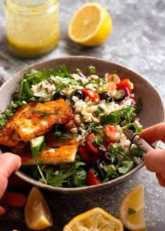 Bowl of Brown Rice Salad with halloumi, ready to be eaten Rice Recipes, Vegetarian Recipes, Cooking Recipes, Healthy Recipes, Vegetarian Options, Detox Recipes, Healthy Meals, Healthy Food, Halloumi