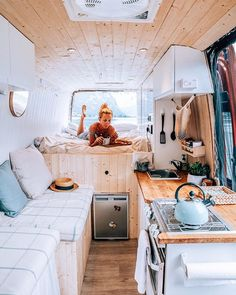 Home is where you park it! Tiny House Movement // Tiny Living // Tiny House on Wheels // Van Life Movement // Van Life // Tiny Home // Architecture // Home Decor Van Living, Tiny House Living, Camping Vintage, Vintage Campers, Vintage Motorhome, Vintage Trailers, Kombi Trailer, Kombi Home, Camper Kitchen