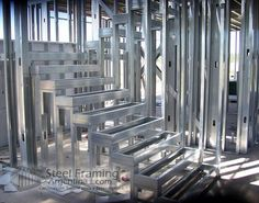 Escalera 2 | por SteelFramingArgentina Steel Frame House, Steel House, Steel Framing, Tyni House, Steel Trusses, Steel Frame Construction, Building Systems, Steel Buildings, Facade Design