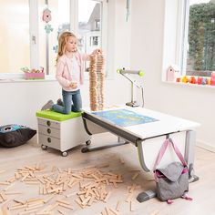 Kinderschreibtisch moll  Champion desk by Moll with Multi Deck depth extension. Perfect ...