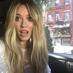 Hilary Duff she's so gorgeous  love her hair and makeup