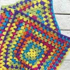 Second square joined!  #handmade #handmadeisbetter #crocheter #crochetersofinstagram #crochet #crochetblanket by thatgirlwhocrochets