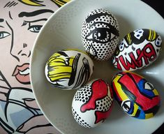 #Easter #Eggs in #different corners of the #web — all #inspired by #famous #artists and #artworks, with results of various quality. There's a glorious batch of Roy #Lichtensteins. There's a cute minimalist attempt at a #SalvadorDalí. Ukrainian Easter Eggs, Pop Art, Roy Lichtenstein, Easter Art, Easter Crafts, Easter Ideas, Easter Bunny, Happy Easter, Easter Egg Designs