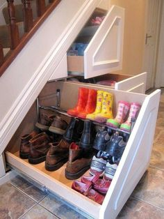 Insanely Clever Remodeling Ideas For Your New Home Shoe storage. Under stairs storage idea. I need this so bad. Under stairs storage idea. I need this so bad. Home Renovation, Home Remodeling, Basement Renovations, Kitchen Remodeling, Diy Casa, Ideas Para Organizar, Home Organization, Organizing Shoes, Organizing Ideas