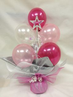 Beautiful little balloon centerpiece. Would also work well as a weight for a helium-filled balloon bouquet.