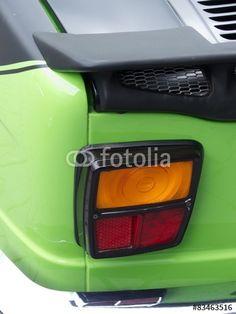 Rücklicht eines giftgrünen Simca 1000 Rallye 2 Tourenwagen der Siebzigerjahre im Oldtimer-Park Lippe in Lage bei Detmold in Ostwestfalen-Lippe