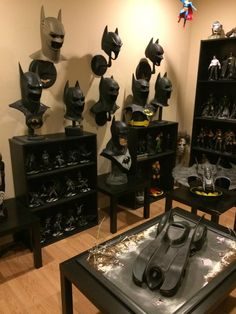 I'm The ultimate Man cave for batman fans Batman Room, Im Batman, Batman Art, Batman Man Cave, Batman Stuff, Marvel Comics, Marvel Films, All Batmans, Dc Comics Action Figures