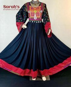Black and red combo is the best ❤️🖤 Abaya Fashion, Ethnic Fashion, Asian Fashion, Women's Fashion, Designer Anarkali Dresses, Pakistani Dresses, Stylish Dresses, Nice Dresses, Afghani Clothes