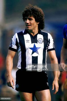 Kevin Keegan Newcastle United Kevin Keegan, Newcastle United Football, Peter Robinson, Hamburger Sv, St James' Park, Derby County, Football Pictures, Vintage Football, Saint James