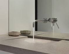 Gentil Wall Mounted Bathroom Faucets   MIRROR Behind The Faucet, Looks GREAT !  Contemporary Bathroom Sinks
