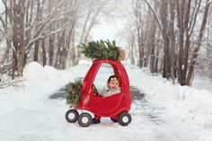 Cozy Coupe Christmas Pictures! Photography by Kelly Rogerson