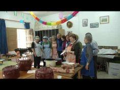 ▶ Tradicionales migas del Día de Andalucía en Roquetas de Mar 2014 - YouTube