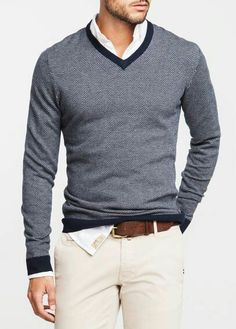 V-neck sweatshirt with contrast color