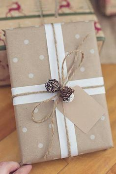 Creative Christmas Gift Wrapping Ideas – All About Christmas Present Wrapping, Creative Gift Wrapping, Creative Gifts, Easy Gift Wrapping Ideas, Gift Wrapping Services, Christmas Gift Wrapping, Diy Gifts, Holiday Gifts, Holiday Pack