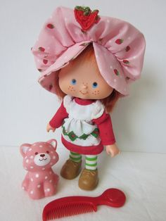 Strawberry Shortcake Dolls   Strawberry Shortcake Doll and Pet Custard