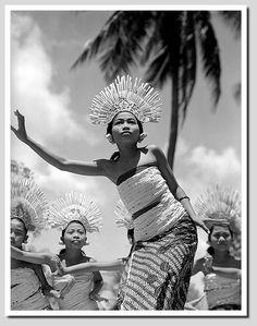 Balinese dancer, 1930s