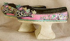 Manchu women never practiced foot-binding. However, during the Qing dynasty, they did wear this comfy platform shoes, hoping to give the appearance of smaller feet. The tips of the shoes would appear to peak out from under the robes, giving the foot more dainty appearance. They could barely walk, but after all, mobility is so overrated.