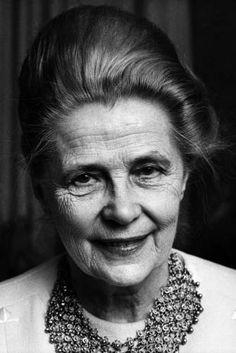 Alva Myrdal - 1982 Donne: le vincitrici del Nobel per la Pace da Madre Teresa a Malala Yousafzai Source: Junglam.com