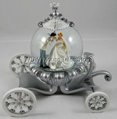 Cinderella Wedding Carriage | Disney Cinderella Wedding Carriage Snowglobe Globe