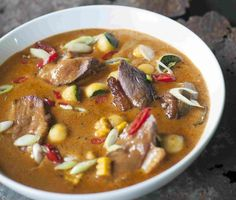 Rode curry van eend Thai Red Curry, Ethnic Recipes, Restaurants, Drinks, Food, Drinking, Beverages, Essen, Restaurant