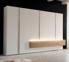 Hulsta kledingkast Gentis met massief hout, ledverlichting ladeblok  Design met natuurlijke elementen.