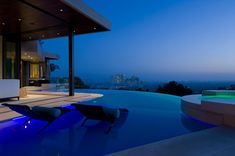 Extraordinary Cliff View Modern Mansion Located on the Sunset Boulevard in Hollywood Hills Hollywood Hills, Home Design, Modern Villa Design, Infinity Pools, Jacuzzi, Bill Gates's House, Sunset Boulevard, Studio Mk27, Blue Jay Way
