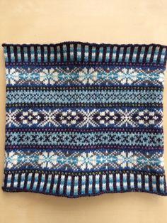 'Berwick' cowl inspired by the sea 🌊 Fair Isle Knitting Patterns, Fair Isle Pattern, Knitting Charts, Knitting Designs, Knit Patterns, Free Knitting, Knitting Projects, Crochet Projects, Fair Isle Chart