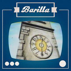 L'orologio del campanile suona e tutti tornano verso casa, dalle loro famiglie. E' il 1981 e con Barilla si riscopre il gusto del mezzogiorno!