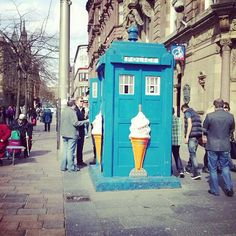 @eleanorgwens photo: I love that in #glasgow these old police boxes/tardis opens up to sell ice cream as soon as a little bit of sun comes out! :)