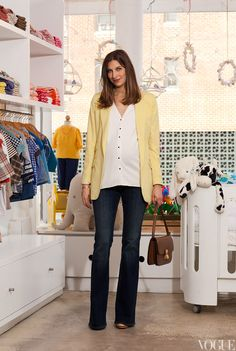 I'm wearing my Genetic for A Pea in the Pod flare jeans with a Zara top and Preen yellow blazer—I love this color for spring!  The look is relaxed yet put together—perfect for some quick after-work shopping.