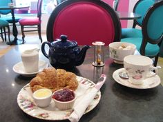 Edinburgh Cafe Enthusiast review of Eteaket, Edinburgh Something Sweet, Places To Eat, Afternoon Tea, Edinburgh, Wales, The Good Place, Scotland, Ireland, Vegetarian