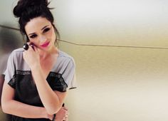 Find images and videos about girl, teen wolf and black hair on We Heart It - the app to get lost in what you love. Teen Wolf, Crystal Reed Style, Pop Music Artists, Crystal Marie, Allison Argent, Pretty Females, New Fashion Trends, Favim, Best Actress